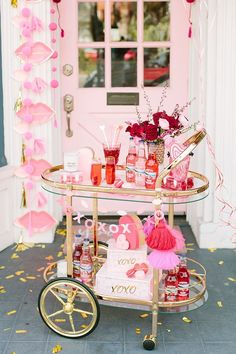 Best source for unique party planning ideas and party favors. Find creative ideas for birthday party themes.