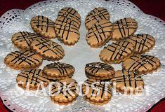 Nescafé medailonky s polevou – Hančiny Sladkosti.net Christmas Sweets, Christmas Cookies, Czech Recipes, Biscotti, Baking Recipes, Sweet Tooth, Food And Drink, Pavlova, Thing 1