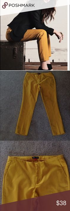 """Vince Camuto Ankle Pants - Gorgeous mustard hue NWOT Vince Camuto Ankle Pants. Extremely flattering style and the color is a beautiful deep mustard. Inseam is 28"""" long. Rise is 9"""" high. Waist - 27"""". Color is most accurate in first photo. Reasonable offers always welcome. 😊 Vince Camuto Pants Ankle & Cropped"""