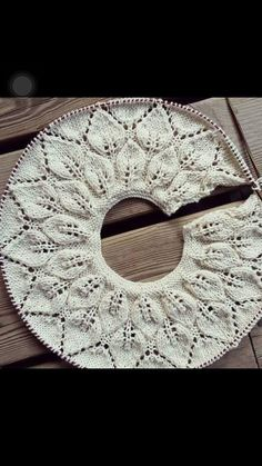 """diy_crafts- Punto De Hojas Redondo Tissue, Tissue, Of Agujas """"Discover thousands of images about Punto De Hojas Redondo """", Bind Off Knitting, Knitting For Kids, Lace Knitting, Knitting Stitches, Knit Crochet, Baby Knitting Patterns, Shawl Patterns, Crochet Patterns, Baby Girl Jackets"""
