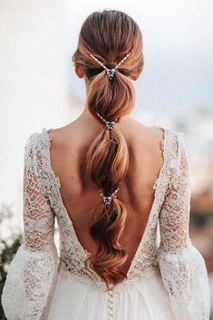 18 Stylish Bohemian Wedding Look ❤️ bohemian wedding look white lace dress with open back and long hair original ponytail juantrujillofoto wedding hairstyles 24 Stylish Bohemian Wedding Look Loose Hairstyles, Ponytail Hairstyles, Bride Hairstyles, Graduation Hairstyles, Latest Hairstyles, Medium Hairstyles, Summer Hairstyles, Pretty Hairstyles, Hairstyle Ideas
