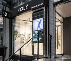 Located in the heart of Yorkville, one of Canada's most elite shopping districts, Holly Eyewear is an exclusive optical boutique for women specializing in fashion-forward eyewear, sunglasses and accessories.
