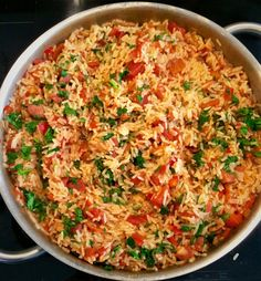 Spiced rice with tomatoes - Yummy Food Recipes Rice Recipes, Cooking Recipes, Healthy Dinner Recipes, Vegetarian Recipes, Spiced Rice, Confort Food, Tomato Rice, Haitian Food Recipes, Arroz Frito