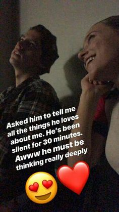 Jughead and Betty from Riverdale are officially dating in real life. Check out Cole Sprouse and Lili Reinhart's real-life romance timeline of their confirmed relationship! Memes Riverdale, Watch Riverdale, Bughead Riverdale, Riverdale Archie, Riverdale Funny, Betty Cooper, Phil Lester, Riverdale Betty And Jughead, Zack Y Cody