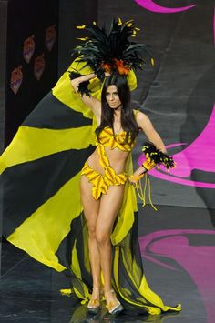 Lucia Aldana, Miss Colombia 2013, models in the National Costume contest at Vegas Mall on November 3, 2013. (Credit: Darren Decker/Miss Universe2013