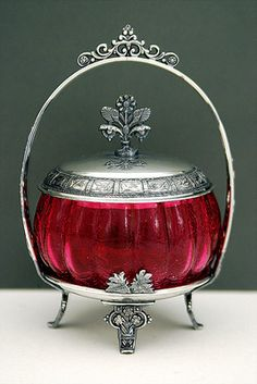 GORGEOUS ANTIQUE CRANBERRY CRACKLE GLASS SILVER PLATED PICKLE CASTOR