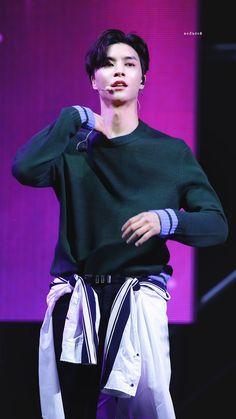 Winwin, Taeyong, Jaehyun, K Pop, Johnny Bananas, Nct 127 Johnny, Johnny Seo, Fandom, Wattpad
