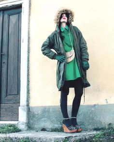 #green #parka #collant #tights #golden #minibag #wedges #fauxfur #gloves