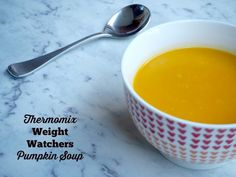 Serves 3 generously I eat this soup when I'm back on the Weight Watchers train, and I eat it even when I'm not, because it's that easy and that delicious. In fact, it's one … Healthy Canned Soups, Healthy Soup, Get Healthy, Thermomix Soup, Weight Watchers Pumpkin, Weight Watchers Soup, Ww Recipes, Soup Recipes, Dish