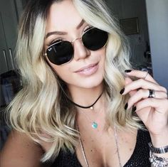 O #rayban queridinho das #itgirls que é a cara do verão! ☀️ #linda #camilalima #oticaswanny Ray Ban Wayfarer, Round Sunglasses, Sunglasses Women, Ray Bans, Big Jewelry, Fashion Eye Glasses, Mode Inspiration, Latest Fashion Trends, Me Too Shoes