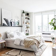 63 gorgeous and stylish scandinavian bedroom decor ideas for teenage make happy 2 Scandinavian Bedroom Decor, Home Bedroom, Interior Design Bedroom Small, Room Inspiration, Bedroom Inspirations, Small Bedroom, Bedroom Decor, Bedroom Layouts, Warm Bedroom