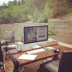 http://simpledesks.net/post/26551542101/the-great-outdoors-really-wanted-to-work