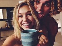 Alexis Ren x Jay Alvarrez . Jay Alvarraz's perfect life with his girlfriend Alexis Ren , check out our new awesome blog with video and pics!