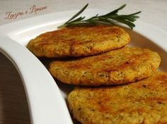 Chickpea burger - simple recipe Ginger and lemon-Hamburger di ceci – ricetta s. Chickpea burger - simple recipe Ginger and lemon-Hamburger di ceci – Vegetable Recipes, Vegetarian Recipes, Cooking Recipes, Healthy Recipes, Fingers Food, Chickpea Burger, Ricotta, Food Inspiration, Italian Recipes