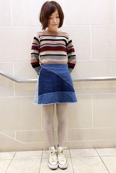 カラフルな配色がかわいいレトロコーデ。 台形型のデニムスカートには薄手のホワイト地タイツが今っぽい。  『40デニールカラータイツ』¥600+税 color : サンド (その他スタッフ私物) 当店のお取り扱いアイテム: レッグウェア、インナー、ルームウェア