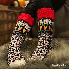 Ravelry: Sydäntalvi by Mia Sumell Fair Isle Knitting, Knitting Socks, Hand Knitting, Knitting Patterns, Knitting Ideas, Crochet Clothes, Leg Warmers, Ravelry, Knit Crochet