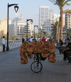 delicious Lebanese bagels    ^^thats the first time i see someone refer to ka3ek as bagels ! Its pretty similar tho !