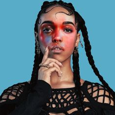Aaliyah, Sade & FKA Twigs were all born today & thus January shall now & forever be recognized as Day of the Divine Feminine Pretty People, Beautiful People, Nail Design Spring, Extreme Makeup, Afro Punk, Makeup Inspiration, Braided Hairstyles, Dance Hairstyles, Hairstyles 2018