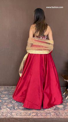 Party Wear Indian Dresses, Designer Party Wear Dresses, Indian Gowns Dresses, Indian Bridal Outfits, Dress Indian Style, Indian Fashion Dresses, Indian Designer Outfits, Wedding Lehenga Designs, Designer Bridal Lehenga