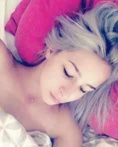 Ferme ta gueule et vas mfaire un steack frittes. #booba#song#wakeup#bed#pink#morning#hello#bonjour#instabed#instagram#me#girl#nomakeup#naturel#silverhair#modelagency#picture#photography http://tipsrazzi.com/ipost/1507272721699161107/?code=BTq6I30g8QT