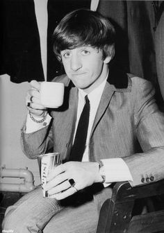 Ringo backstage at the Scala Theatre with a tea and Pepsi. Scan from The Beatles Book Monthly No. 371.