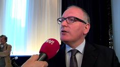 Frans-Timmermans-met-de-nazivrienden-van-POWNed.jpg (1024×576) And o llok! Always time for a chat with is nazi-friends.