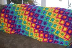 Crocheting: Spring Fling Easter Grannie - love the bright colors! Crochet Motifs, Crochet Quilt, Love Crochet, Crochet Yarn, Crochet Hooks, Crochet Patterns, Crochet Blankets, Crochet Square Blanket, Crochet Squares