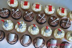 Google Image Result for http://4.bp.blogspot.com/_yTG68RUqL6Q/TCngc31xQLI/AAAAAAAABK0/xmlruhyYBOA/s1600/cupcakes_medeivaltimes.jpg