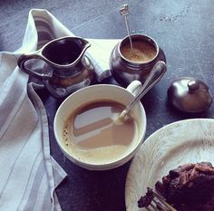 The perfect Sunday morning breakfast - last nights homemade chocolate cake on our Firenze marbleized plate and steaming percolated coffee in my old friend the Berry& Thread breakfast cup. This is good living!