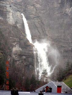 Broto, Huesca. Cascada del Sorrosal.