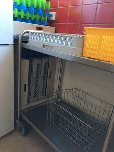 Serveringsvogn diverse utstyr til oppvaskmaskin
