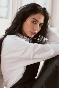 Demet Özdemir Turkish Women Beautiful, Turkish Men, Turkish Beauty, Turkish Actors, Art Photography Portrait, Photography Women, Fashion Pictures, Girl Pictures, Psycho Girl
