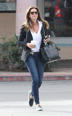 Cindy Crawford from The Big Picture: Today's Hot Photos  Buzz buzz! The top model is spotted getting her caffeine fix in Malibu.