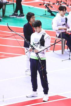 (15) ทวิตเตอร์ Sehun, Uni, Archery Aesthetic, Exo Members, Korean Artist, Cute Couples Goals, Actor Model, My Sunshine, Boyfriend Material