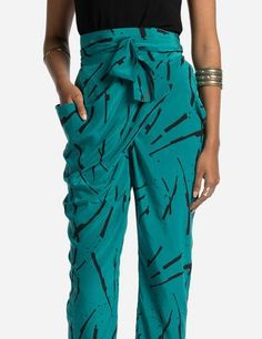 Inspired by the multifold drapes of the Indian dhoti, this version comes in crepe silk for a more luxurious look. With the IChing print on calm yet sensous Jade Fashion Sites, Fast Fashion, Fashion Outfits, Drape Pants, Harem Pants, Sustainable Fabrics, Sustainable Fashion, Look Chic, New Look