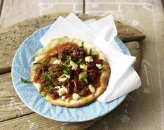 Unser beliebtes Rezept für Mini Pizza mit Hack und mehr als 55.000 weitere kostenlose Rezepte auf LECKER.de.