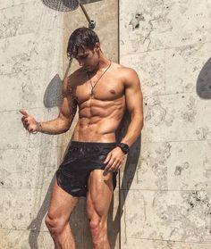 sexy dude – Page 2 – Hot Guys Just Beautiful Men, Hello Beautiful, Beautiful Legs, Beautiful Things, Hommes Sexy, Hot Hunks, Raining Men, Shirtless Men, Male Form