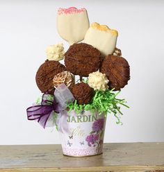 Christy's Gourmet Gifts, Burlington, ON   Tulip cookie arrangement, great for springtime or lovers of the garden.   #cookie #cookiearrangement