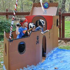 Pirate ship and styrofoam cannonballs at a pirate party - so fun! This is amazing. I want my next birthday to be a pirate party! Games For Kids, Diy For Kids, Activities For Kids, Fun Games, Pirate Birthday, Pirate Theme, Cardboard Pirate Ship, Cardboard Rocket, Used Cardboard Boxes