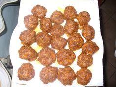 Hozzávalók:    50 dkg Darált pulykacomb vagy sertéshús fűszerezve: sok fokhagyma, piros paprika, bors, pici só. A darált húst 20 gramm ... Bors, Cooking, Ethnic Recipes, Wellness, Red Peppers, Kitchen, Brewing, Cuisine, Cook