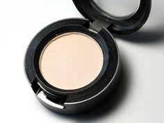 mac-vanilla-eyeshadow