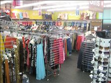 Plato's Closet Chicago/Lincoln Park, Schaumburg, Skokie, Harwood Heights/Norridge, IL | Pays Cash for Young Adult Clothes and Accessories