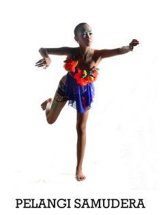 Pelangi Samudera adalah Art Fashion Collection yang wearable dan collectable dari Retno Tan sebagai teriakan perusakan lingkungan laut 80% karya ini menggunakan kain sisa garment dan limbah disekitar seperti plastik dll