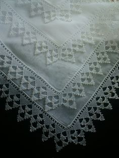 This Pin was discovered by Zeh Crochet Border Patterns, Crochet Lace Edging, Doily Patterns, Easy Crochet, Free Crochet, Needle Tatting, Needle Lace, Bobbin Lace, Needle And Thread