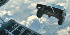Fliegende Autos hatten wir bereits in Fast And Furious 7. Geht es in FF9 eventuell noch höher hinaus? Eine sehr absurde Idee gibt es schon: Fast And Furious 8: Fortsetzung im All möglich ➠ https://www.film.tv/go/36825  #F8 #F9 #FastAndFurious