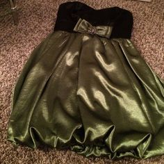Black and emerald green strapless formal dress Worn once but perfect condition Trixxi Dresses Mini