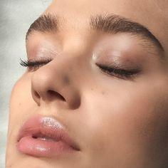 Find and save the latest makeup styles. Know which makeup to use. Kiss Makeup, Love Makeup, Simple Makeup, Makeup Inspo, Natural Makeup, Makeup Tips, Beauty Makeup, Makeup Looks, Hair Makeup