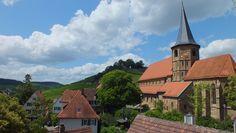 Johanneskirche, im Hintergrund die Burg von Weinsberg, Germany