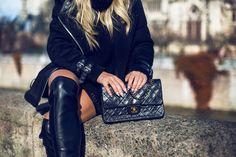 Black coat GINA TRICOT - Overknee boots RIVER ISLAND - Black handbag CHANEL   Angelica Blick