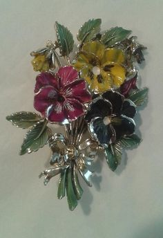 Vintage Floral Brooch signed Exquisite, Made in the UK in the early 1950's. Pansy  Hand painted enamel